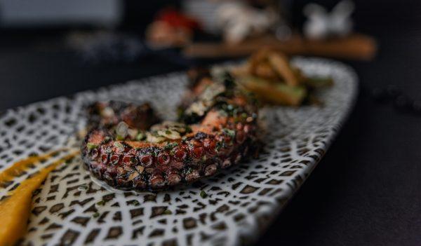 октопод приготвен от шеф готвач